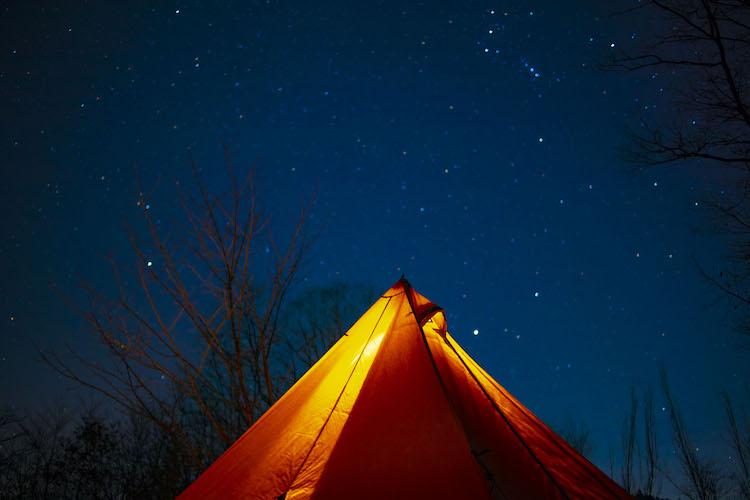 キャンプに明かりは必要不可欠。
