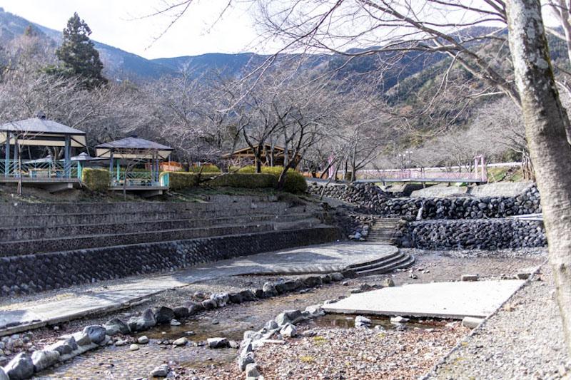 『大津谷公園キャンプ場』の詳細:完全無料・予約いらず