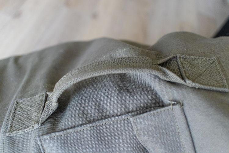 ロスコ・ダッフルバック外側ポケット