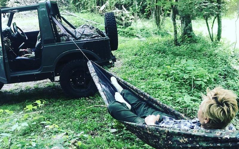 """ヒロシの愛車""""ジムニー(JA11C型)""""とはどんな車なのか【キャンプ芸人】"""