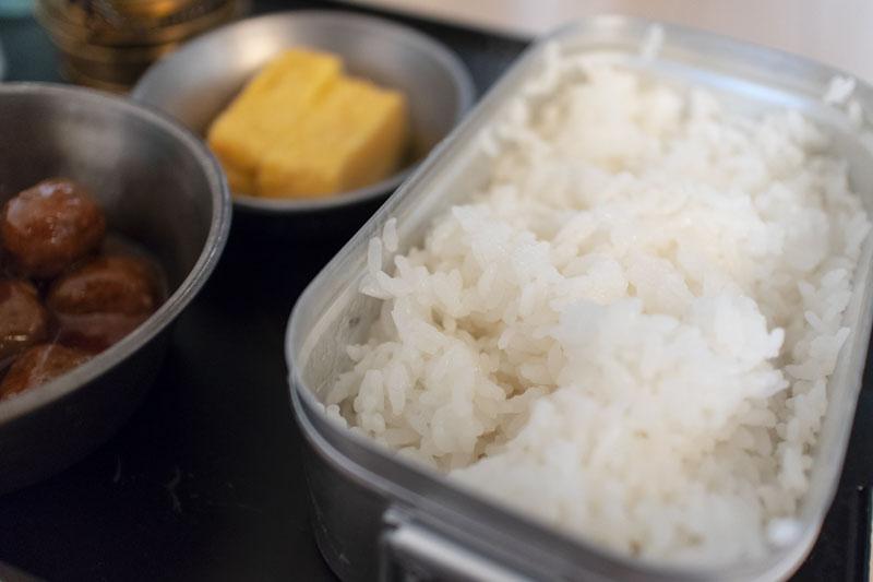 アルコールストーブで自動炊飯。メスティンとエスビットアルコールバーナーでお米を炊く