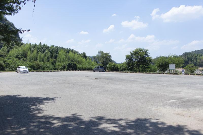 桃太郎キャンプ場真横にある駐車場