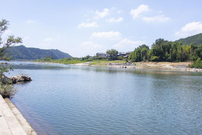 桃太郎公園キャンプ場横を流れる木曽川