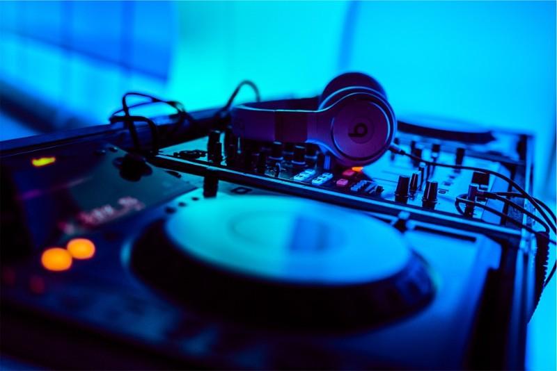 EDM聴き放題サブスクはMusic Unlimitedがおすすめ!定番・有名・人気の曲が勢揃い
